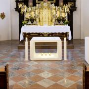 Altar03-Neuhofen.jpg